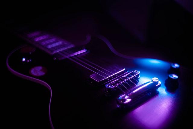 olivia rodrigo: electric guitar